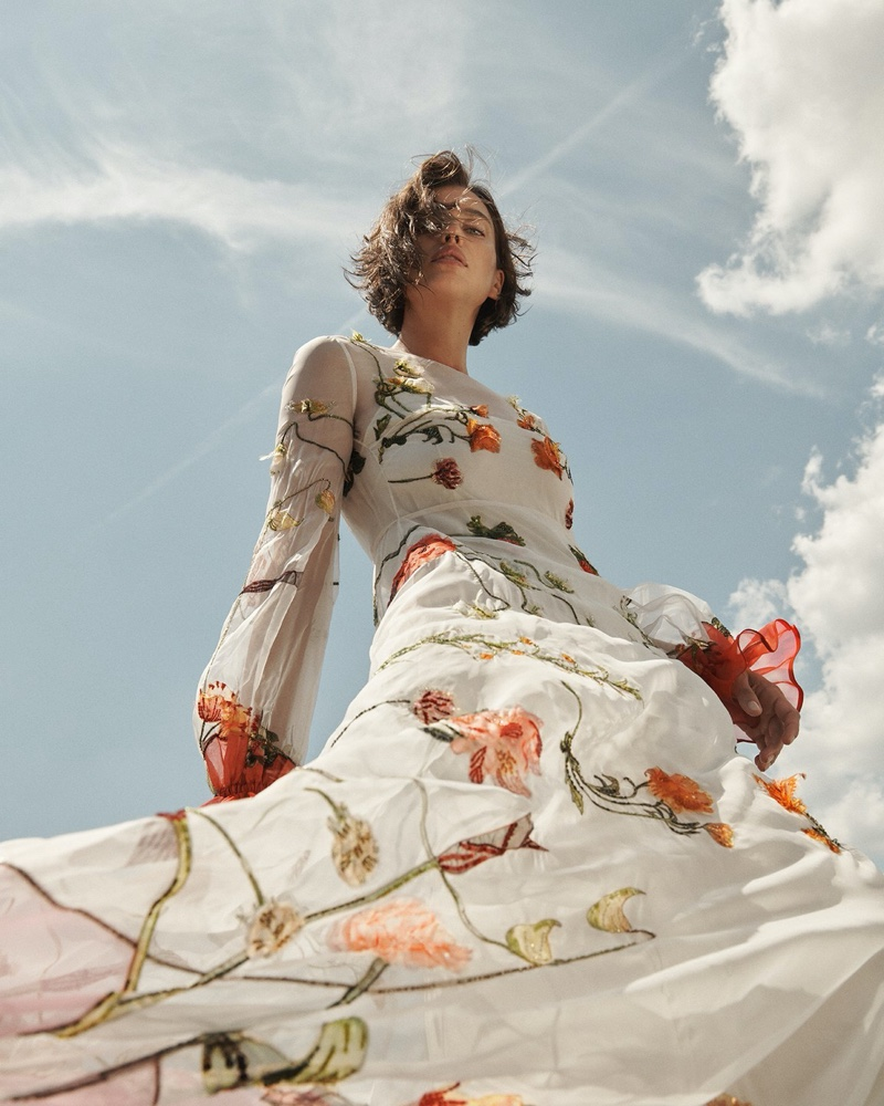 Irina, Grace, Tianna, Varsha & London Touch the Sky for Vogue Russia