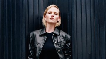 Keeping it chic, Lara Stone models Zara fall 2020 styles.