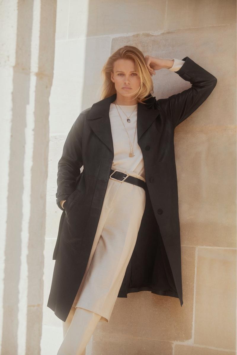 Edita Vilkeviciute poses in Massimo Dutti Living in the City fall-winter 2020 editorial.
