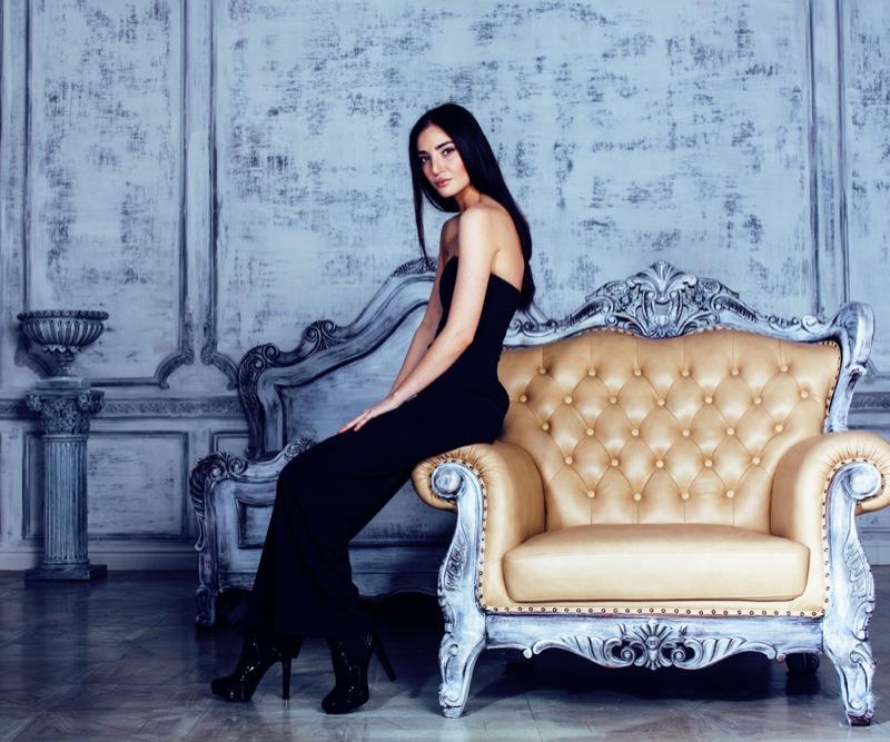 Model Room Luxury Chair Black Dress