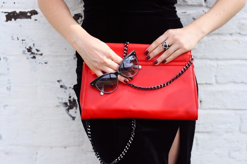 Woman Accessories Red Bag Ring Chains Sunglasses