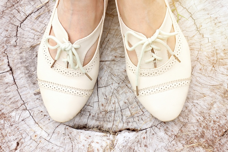 Women's Oxford Shoes Flats White Lace-up Detail