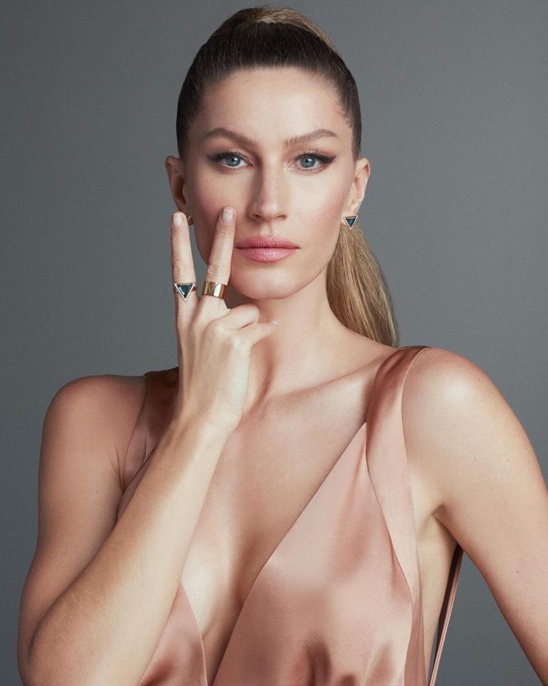 Gisele Bundchen stars in Vivara Collection 2020 jewelry campaign.