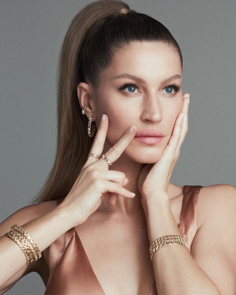 Supermodel Gisele Bundchen is the face of Vivara Collection 2020 campaign.