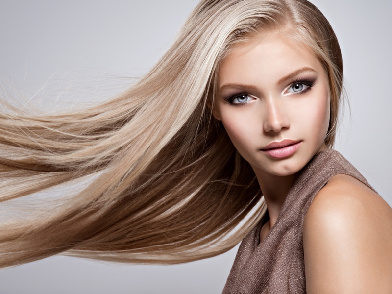 Model Straight Blonde Hair Movement Beauty