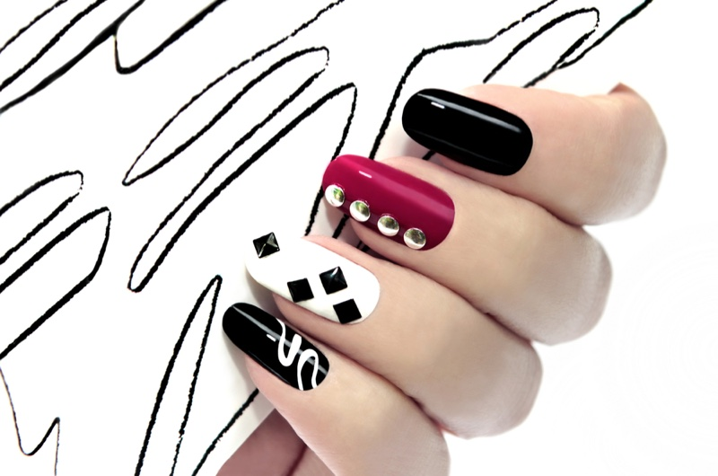 Multi-Colored Nails Black Red White Oval Shaped