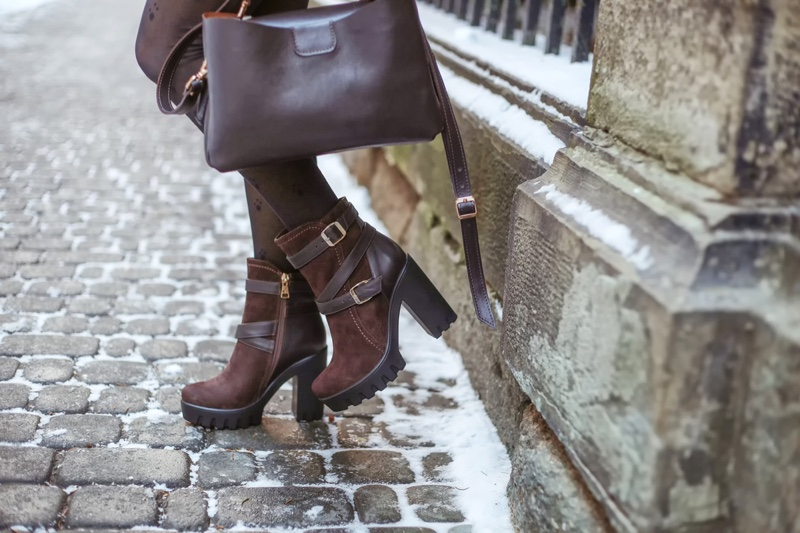 Winter Boots Heels Bag Brown Snow