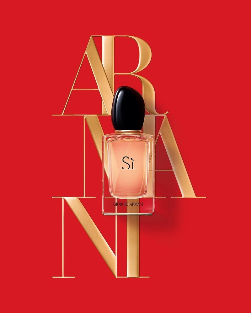 A look at Armani Si's fragrance bottle.