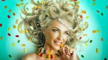 Blonde Model Sweets Gummies Crown