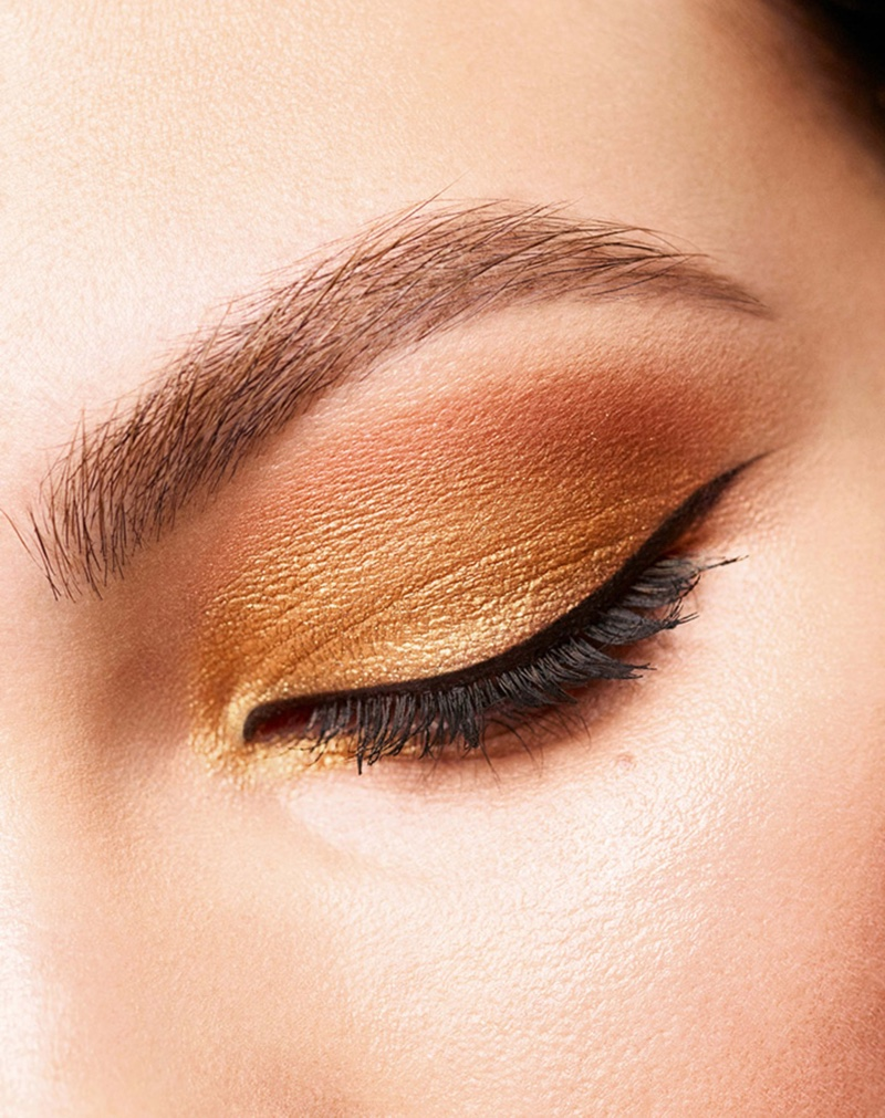 Chanel features Antique Gold eyeshadow for Holiday 2020 makeup collection.