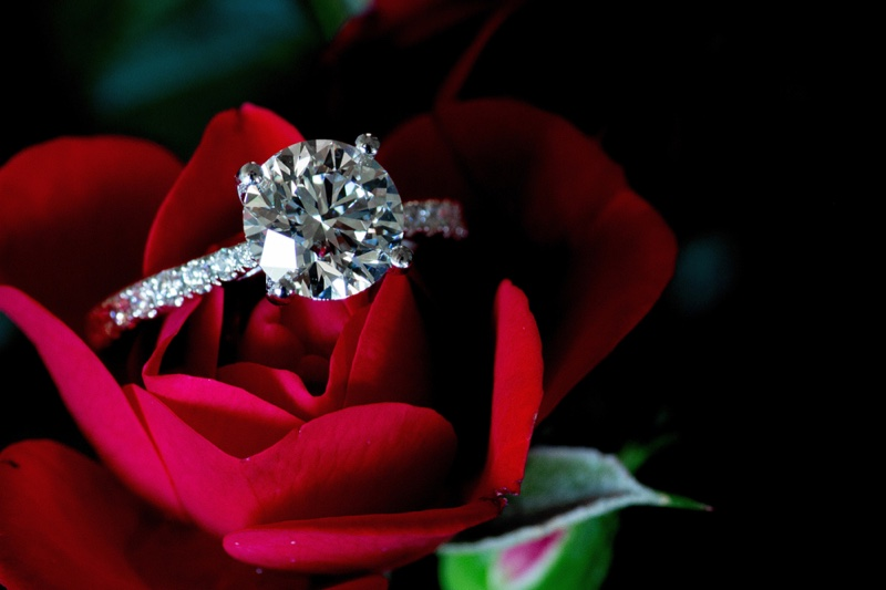Why Should You Choose a Platinum Engagement Ring