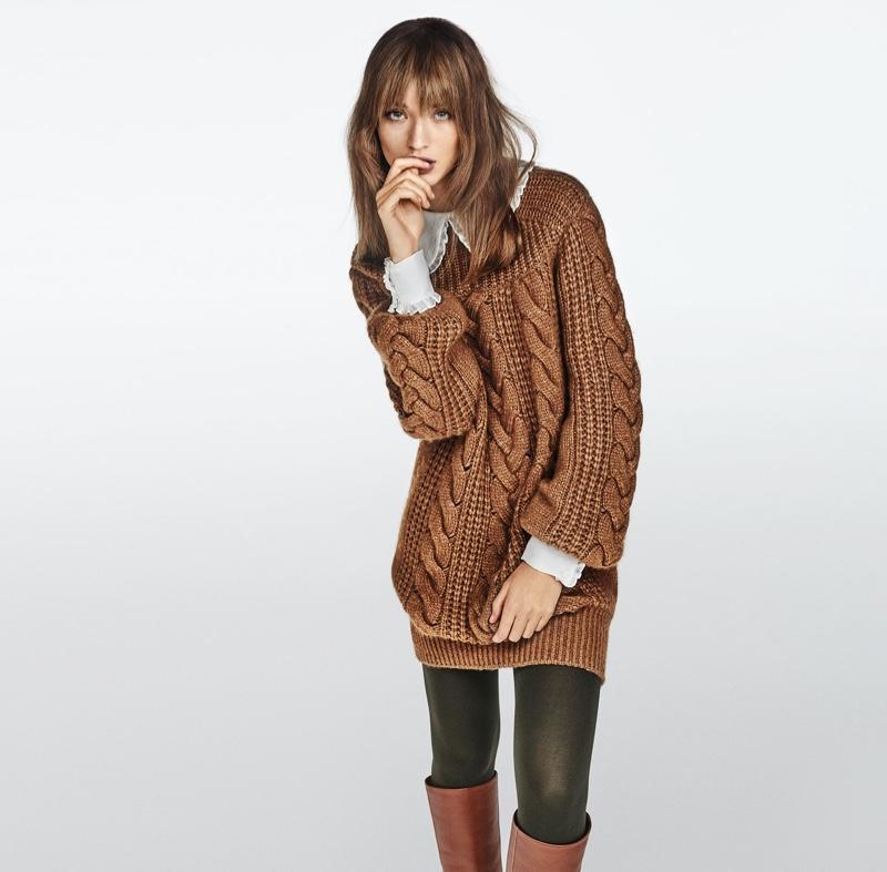 Giulia Maenza wears chunky knitwear in Luisa Spagnoli fall-winter 2020 campaign.