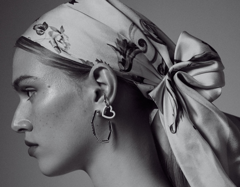 Nikki McGuire Models Effortlessly Chic Looks for M Magazine Milenio