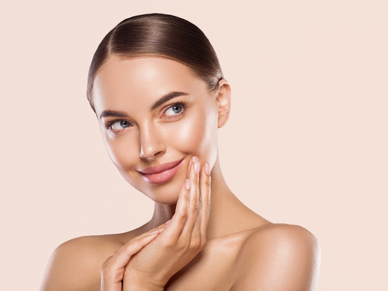Smiling Model Clear Skin Natural Makeup Beauty