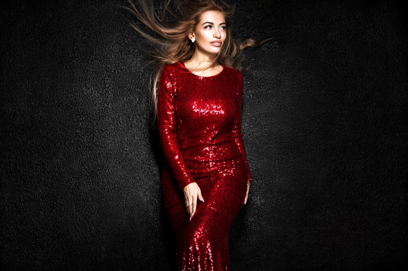 Woman Red Sequin Long Sleeve Dress