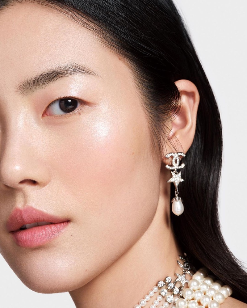 Chanel unveils radiant looks in Colors of Chanel campaign.