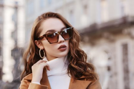 Heart Shaped Face Model Angular Square Sunglasses