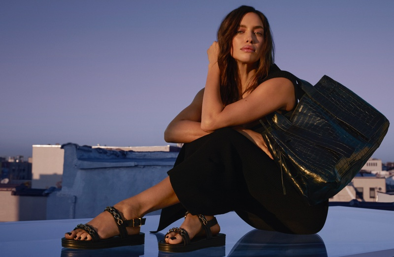 Schutz highlights Zaya sandals in Holiday 2020 campaign.
