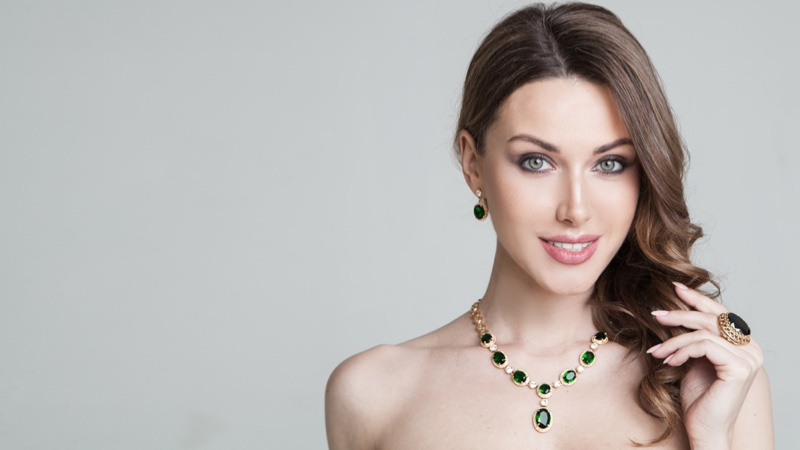 Smiling Model Emerald Jewelry Earrings Necklace Ring