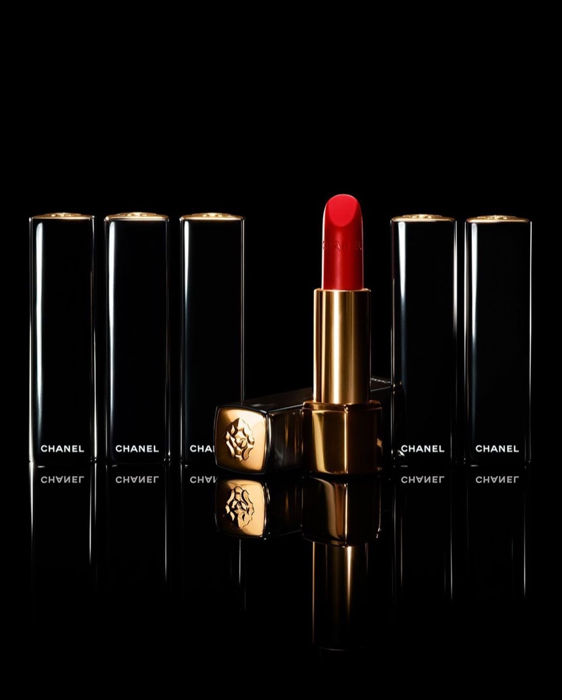 Rouge Allure Velvet Le Lion De Chanel lipstick in 257 Rouge Triomphal.