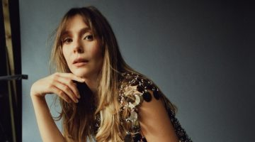 Clad in silver, Elizabeth Olsen wears Paco Rabanne look. Photo: Amar Daved