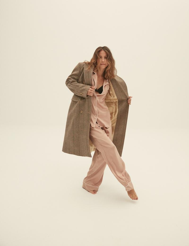 Irene Escolar Wears Relaxed Styles for ELLE Spain