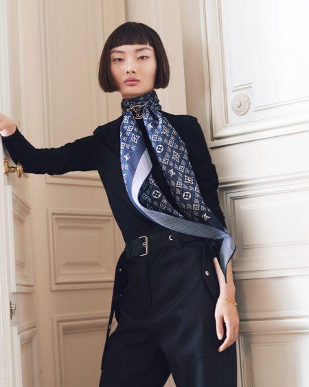 Louis Vuitton 1854 Envy LV bandeau scarf.