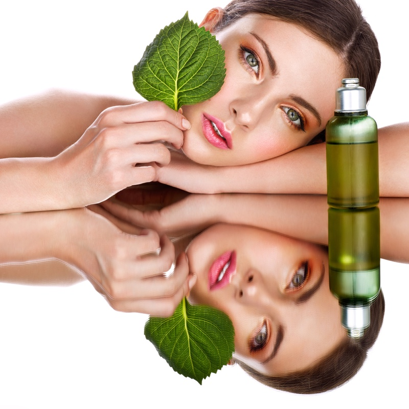 Model Beauty Green Oil Bottle Leaf