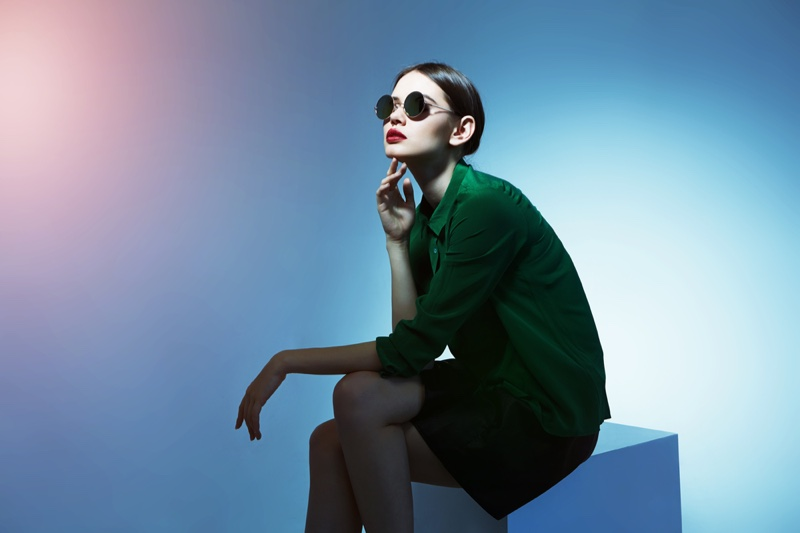 Model Green Outfit Round Sunglasses Fashion