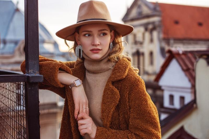 Model Hat Turtleneck Sweater Brown Jacket Accessories