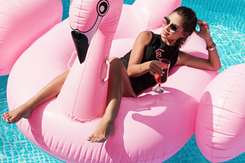 Pink Flamingo Float Pool Relaxation Cocktail Drink