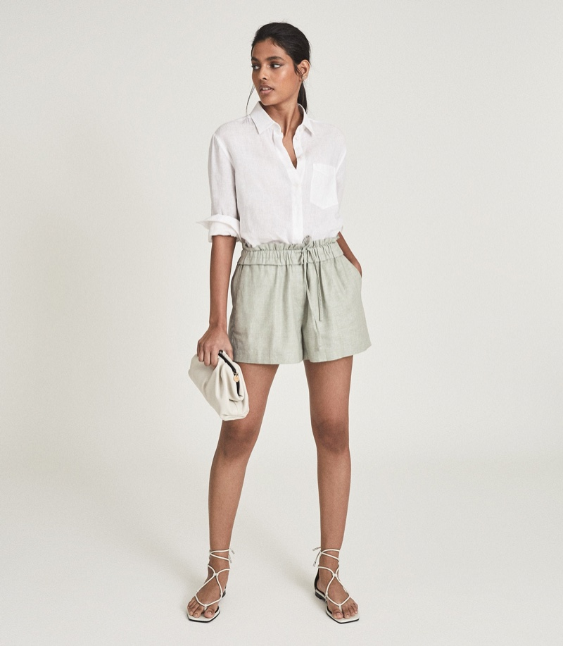 Reiss Lacey Linen Blend Drawcord Shorts in Mint $125