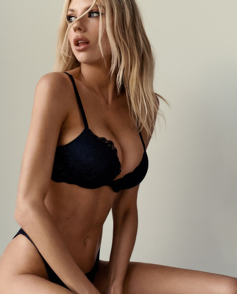 The blonde model poses in a campaign for lingerie brand La Senza.