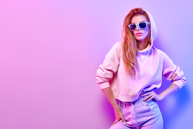 Model Cropped Hoodie Sunglasses Style