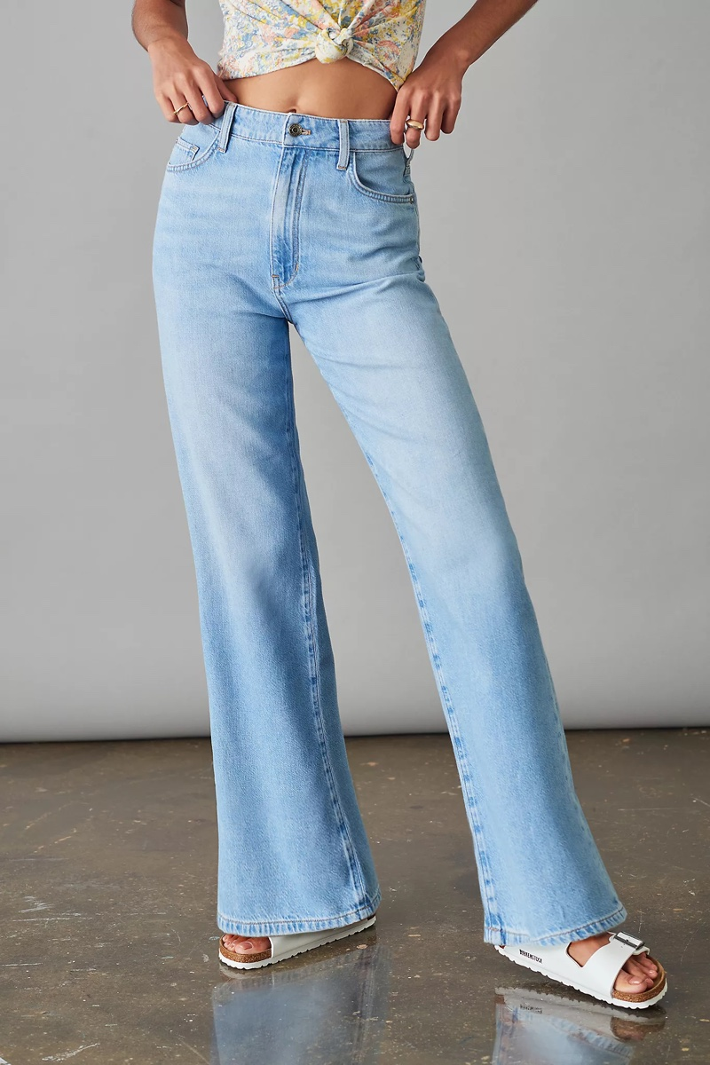 Pilcro and the Letterpress The Annie Wide-Leg Jeans in Medium Blue $128