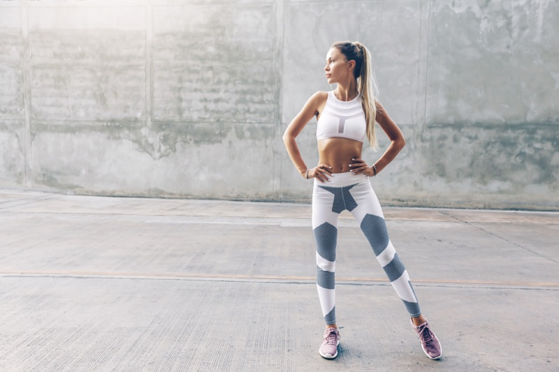 Toned Fitness Model activewear Outfit White Grey