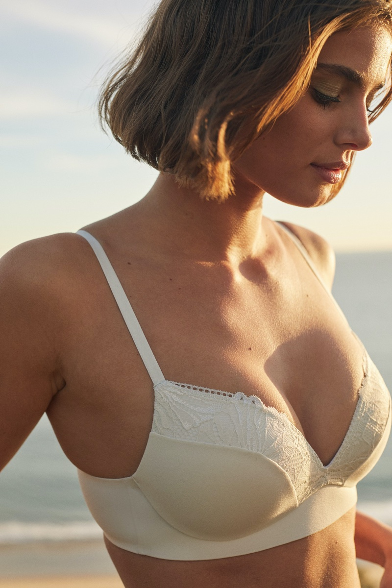 Taylor Hill models Incredible by Victoria's Secret Wireless Push-Up Bra in Palm Lace.