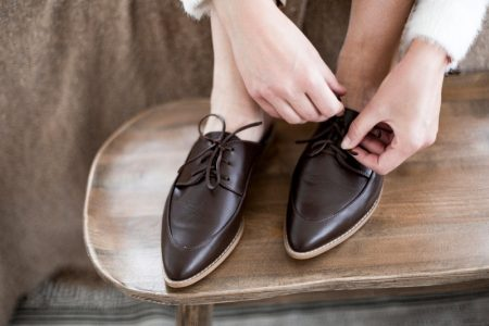 Woman Cropped Brown Leather Lace-up Flats