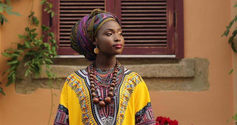 African Model Dashiki Traditional Dress Head Wrap