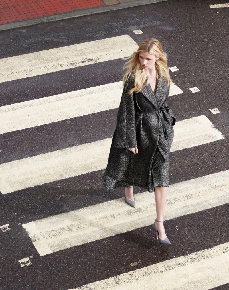 Alessandro Dell'Acqua X Elena Mirò focuses on chic silhouettes for new collaboration.