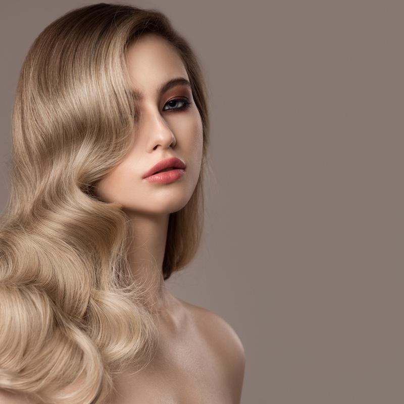 Blonde Model Wavy Healthy Hair Beauty