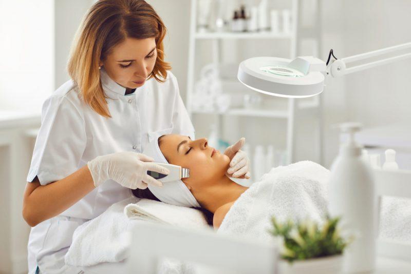 Cosmetologist