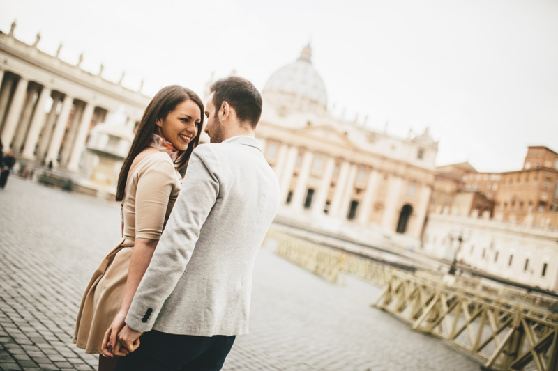 Couple Vatican Rome Romantic Style