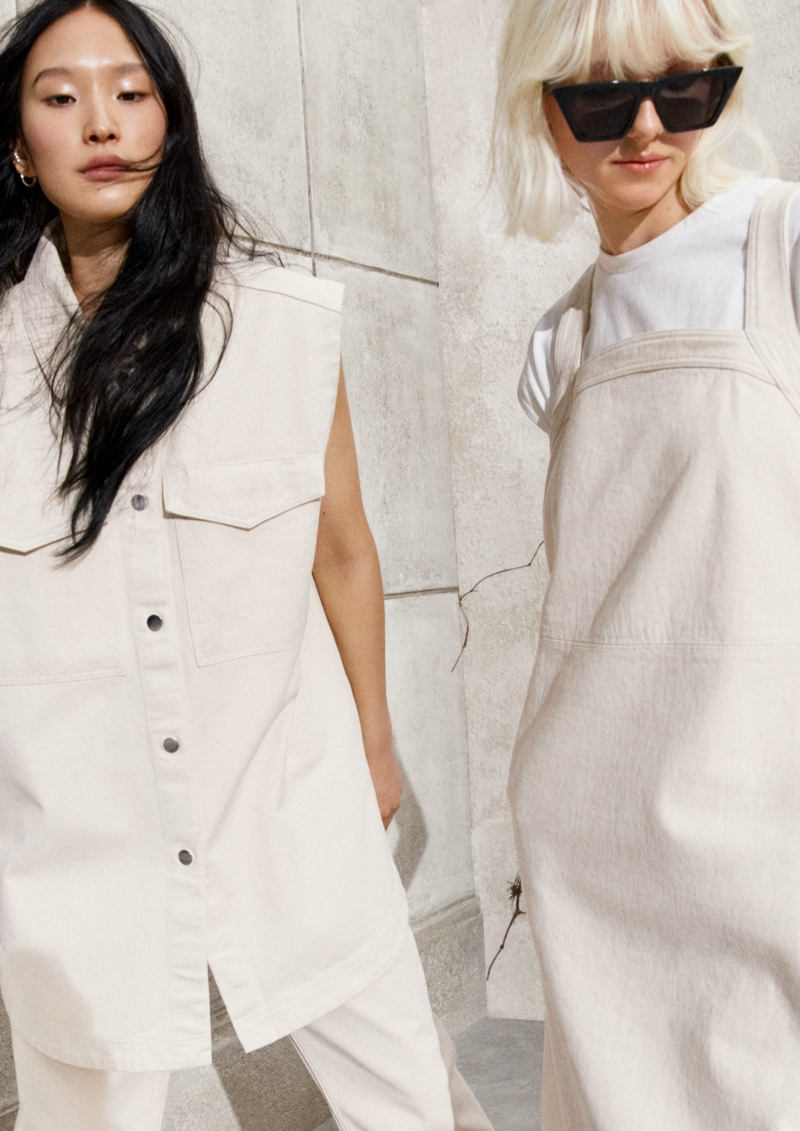 H&M focuses on minimal styles for spring 2021 campaign.