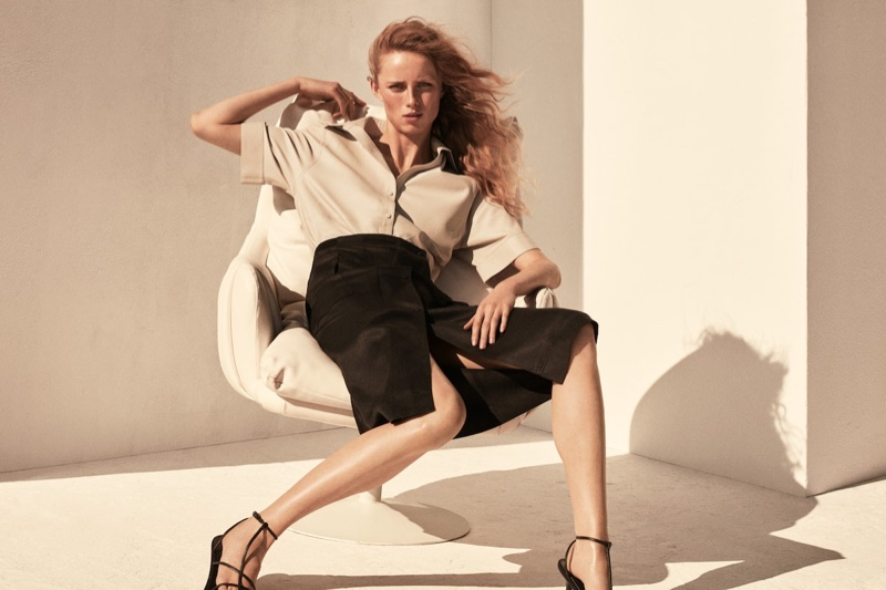 An image from Massimo Dutti's Limited Edition spring-summer 2021 campaign.