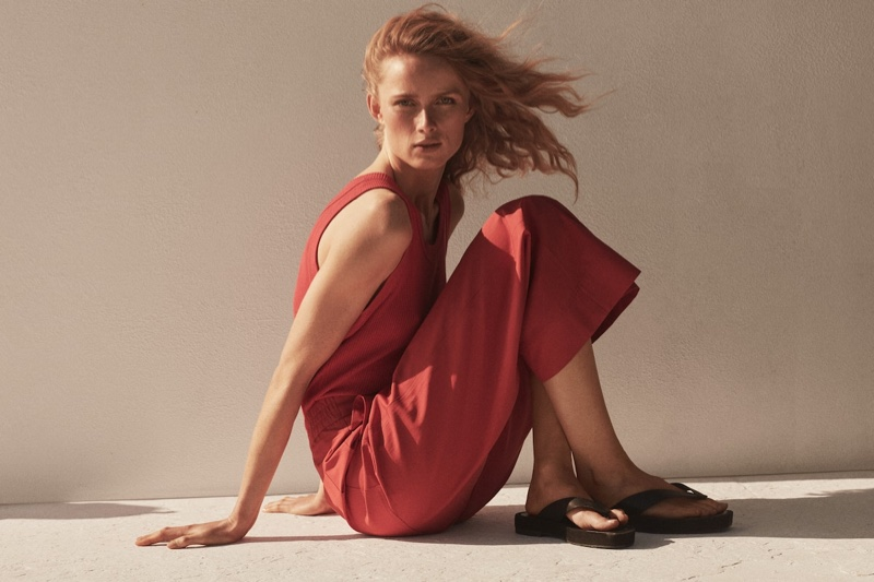 Massimo Dutti launches Limited Edition spring-summer 2021 campaign.
