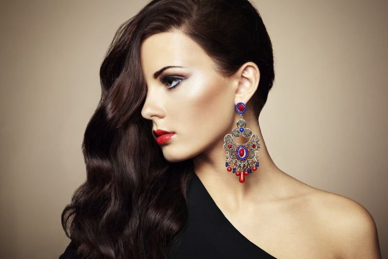 Model Beauty Makeup Side Part Hair Statement Earring