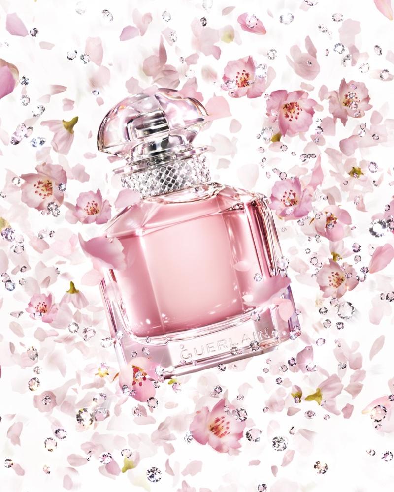 A look at the Guerlain Mon Guerlain Sparkling Bouquet fragrance bottle.