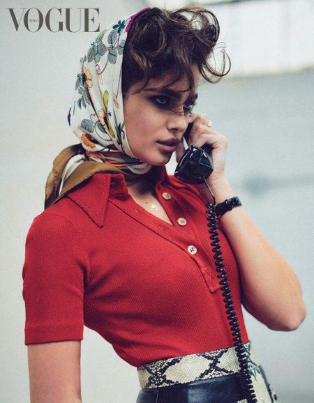 Taylor Hill Embraces Retro Fashion for Vogue Mexico