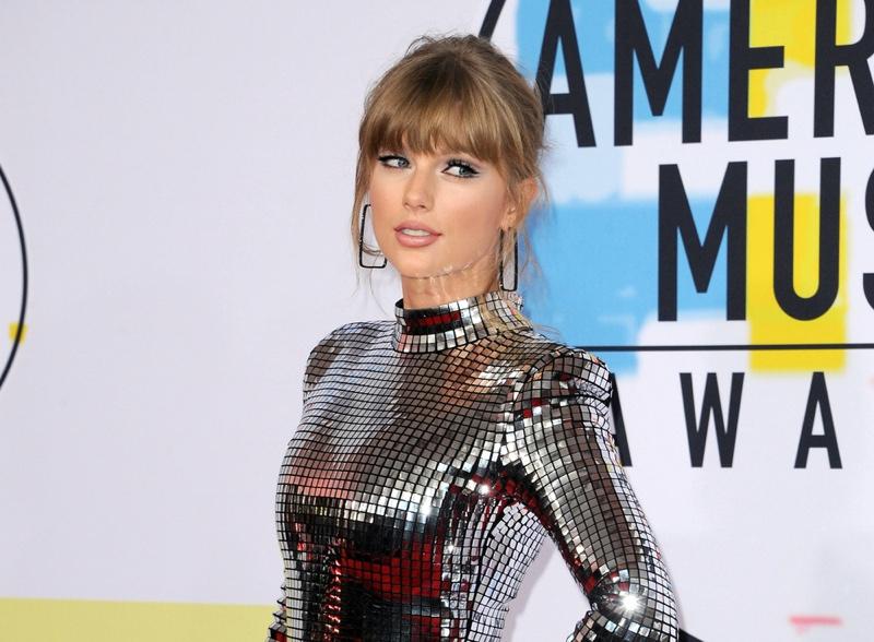 Taylor Swift Sparkling Dress